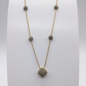 Collier poussière de diamants